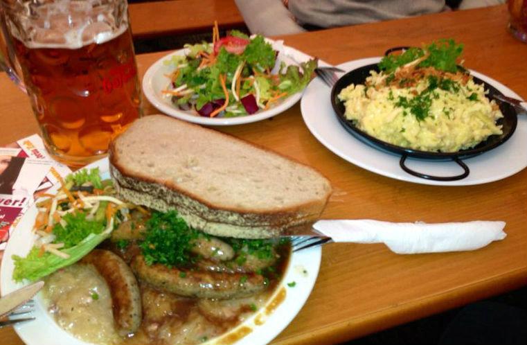 bratwurst e spatzle