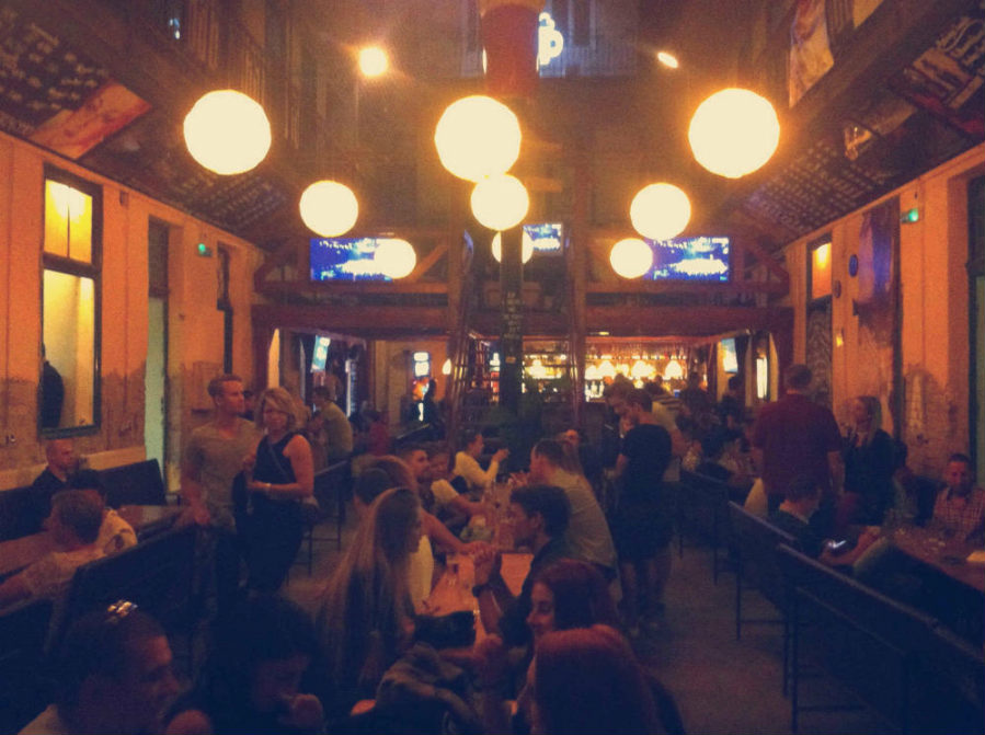 pub in rovina budapest